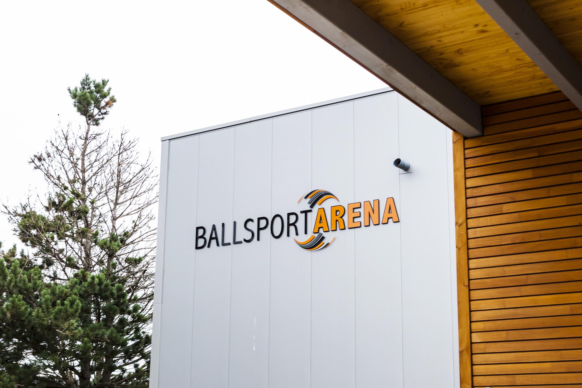 Die Außenansicht der Ballsportarena